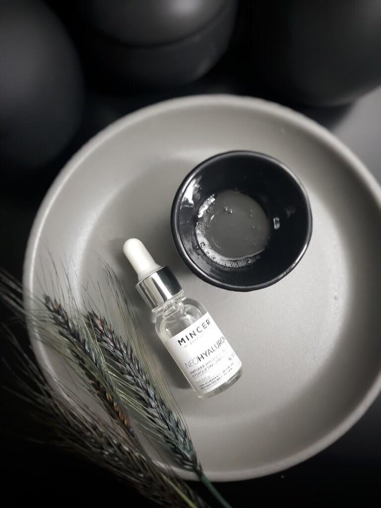 dobre serum z kwasem hialuronowym