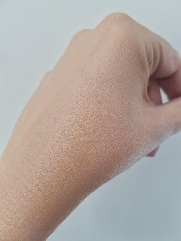 BareMinerals Complexion Rescue - żel koloryzujący dla skóry odwodnionej