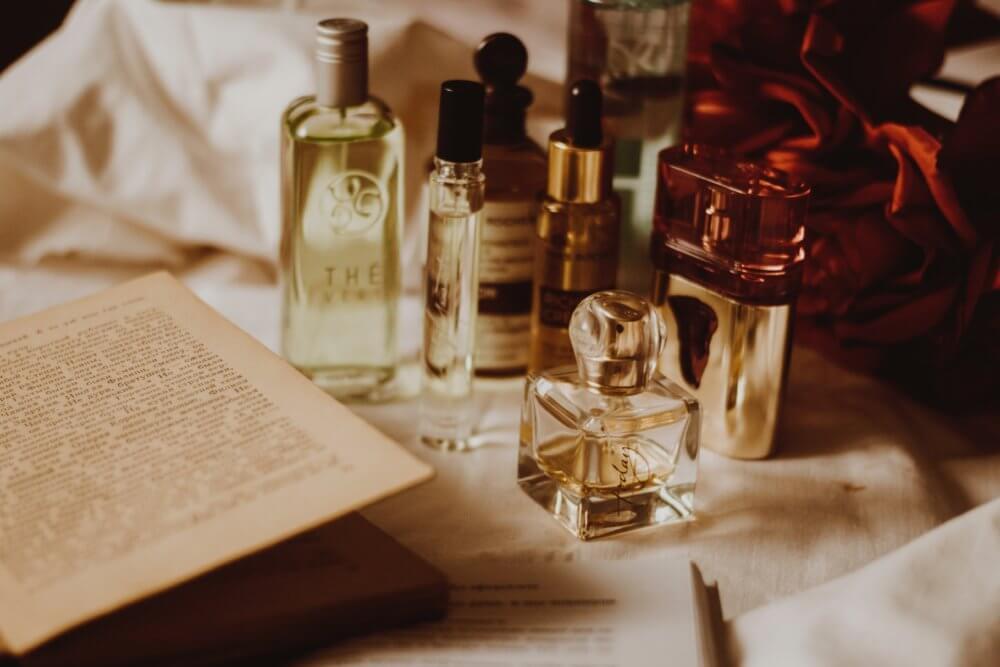 Perfumy na prezent - 10 propozycji z drogerii Hebe (od 25 zł!)